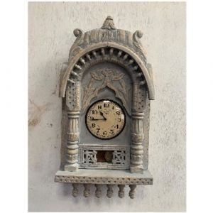 Wooden Carving Clock with Pendulum